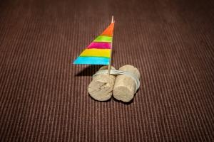 Le bateau en bouchons de liège terminé